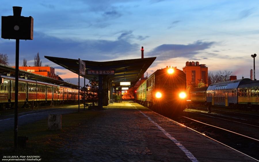 Leszno. Pociąg osobowy Leszno - Wolsztyn.
