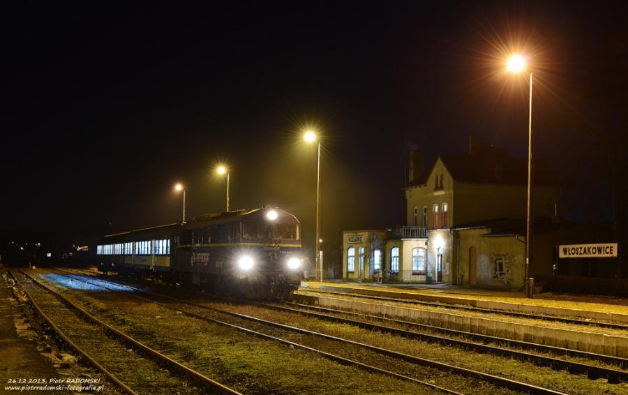 Włoszakowice. Pociąg osobowy Leszno - Wolsztyn.